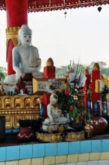 Seitenaltar - Kyau-htat-gyi-Pagode