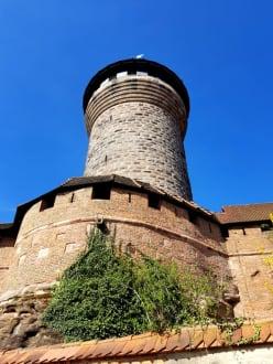 Hoch noch mal zum Turm - Kaiserburg