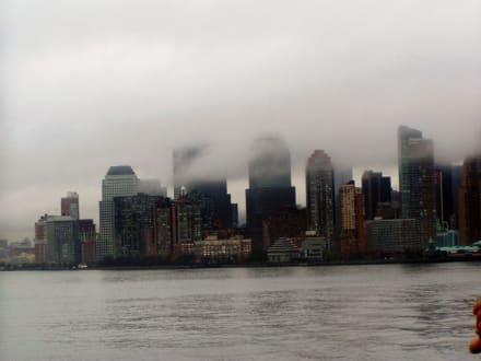 Spitze von Lower Manhattan - Skyline