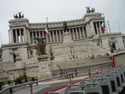 Piazza Venezia - Monumento Nazionale a Vittorio Emmanuele II