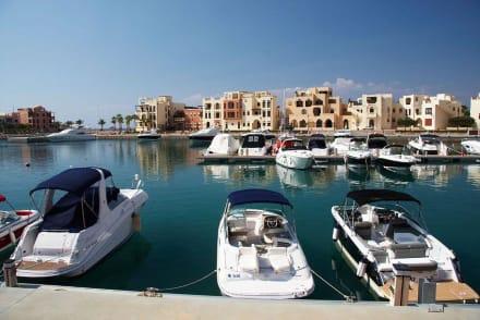 Im Hafen von AKABA - Golf von Aqaba / Sinai