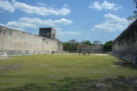 Ballspielplatz der Maya  - Ruine Chichén Itzá