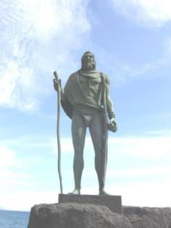 Guanchen Statuen. Pelinor - Statuen der Guanchenkönige