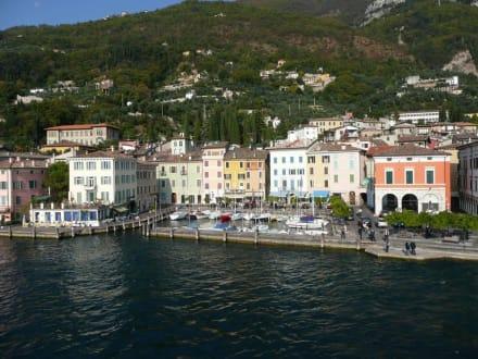 Hafen und Ortskern v.Gargnano - Yachthafen Gargnano