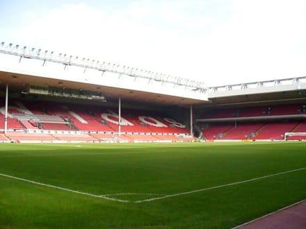 im Stadion - Anfield Road