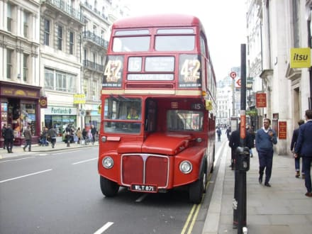 Alter Doppeldecker in London - City von London