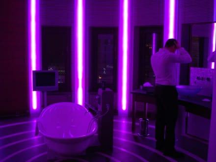 Bad bei Nacht - Anna Hotel