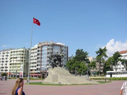 Antalya - Atatürk-Denkmal