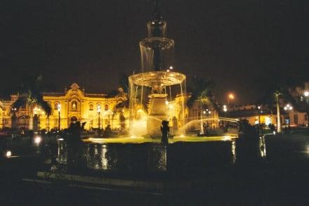 Springbrunnen - Stadtrundgang Lima