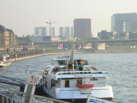 Weisse Flotte Düsseldorf - Rhein - Schifffahrt Weisse Flotte Düsseldorf