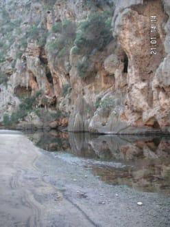 Je mehr Wasser um so schöner - Bucht Sa Calobra / Torrent de Pareis