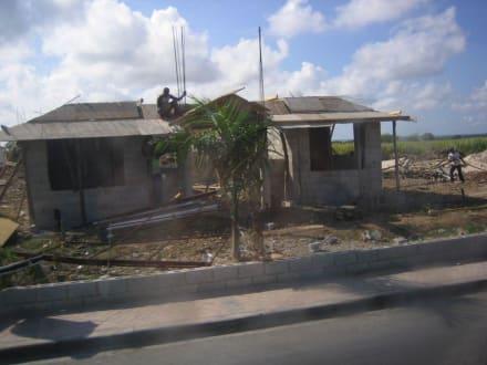 bilder higuey higuey stadtleben h user strassen in dominikanische republik landesinnere. Black Bedroom Furniture Sets. Home Design Ideas