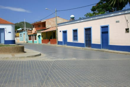 Dorfplatz in El Tirano - Playa el Tirano