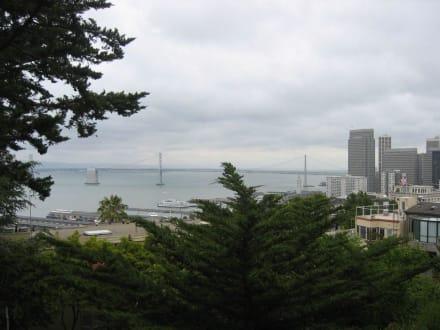 Aussicht vom Vorplatz des Coit Tower - Coit Tower