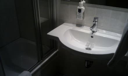 Badezimmer - Hotel Gasthof zur Post
