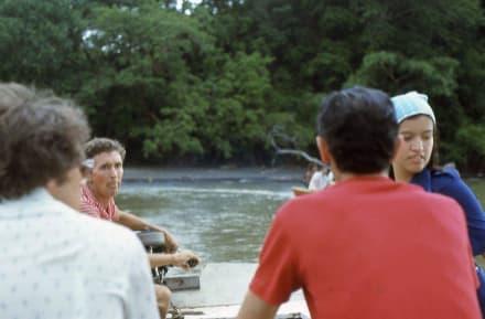 Die Passagiere in meinem Boot - Schwarzer Badestrand