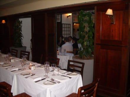 Schön gedeckter Tisch - Restaurant Five Flies