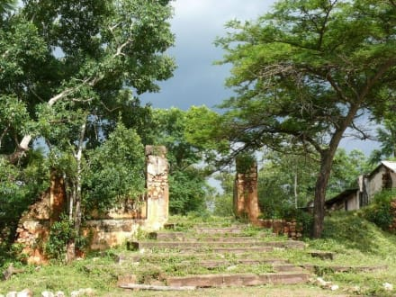 Reste der Vergangenheit - Fort Ikoma