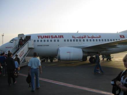 Flugzeug (Tunisair) - Flughafen Monastir (MIR)
