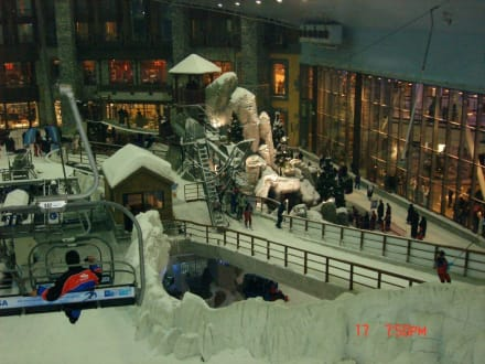 Freizeitpark - Ski-Dubai Halle (Mall of the Emirates)