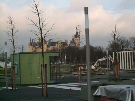 Schlosspanorama für Bauarbeiter - Bundesgartenschau Buga