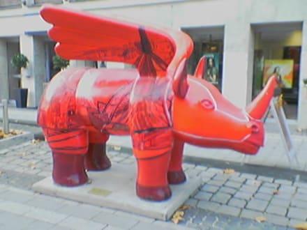 Nashorn mit Flügeln - Zentrum Dortmund