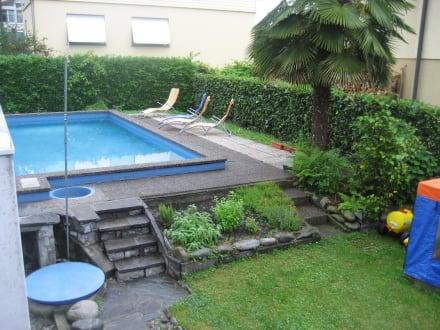 Kleiner pool bild hotel garni elisabetta in gordola for Kleiner pool
