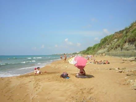 toller Stand abseits von Touristenströmen - Strand Marathias