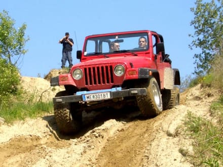 Sandspielen für grosse Jungs - Jeep Safari Klein-Pöchlarn