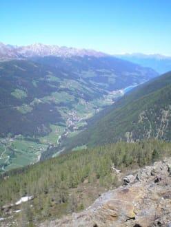 Blick ins Etschtal - Wandern Ultental