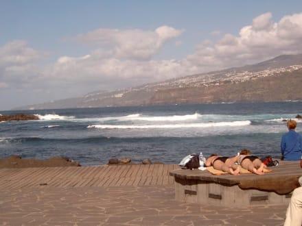Playa Martiánez von Puerto de la Cruz  auf Teneriffa - Playa de Martiánez