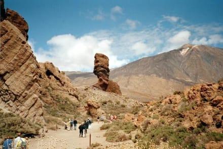 Parque Nacional de Teide -Los  Roques de Garcia mit Teide - Roques de Garcia