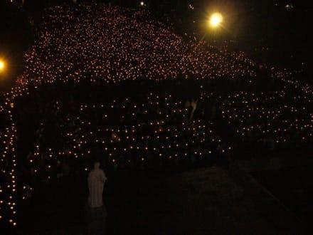 Lichterprozession - Der Heilige Bezirk