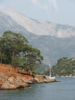 Segelschiff vor der Nikolaus-Insel - Gemile Bucht