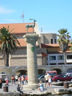 im Hafen von Rhodos-Stadt - Altstadt Rhodos Stadt