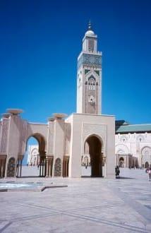Casablanca - Moschee Hassan II und der Vorplatz - Hassan-II.-Moschee