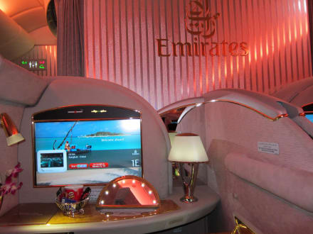 Emirates Airbus A 380, Suite der First Class - Transport