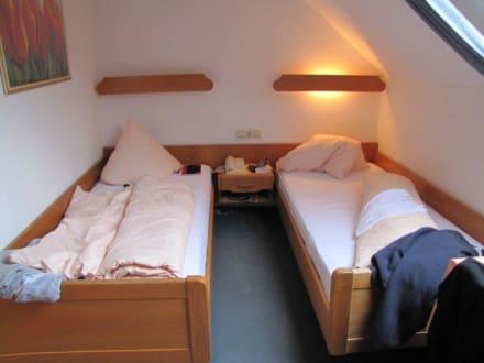 Doppelzimmer links - Hotel Zur Post