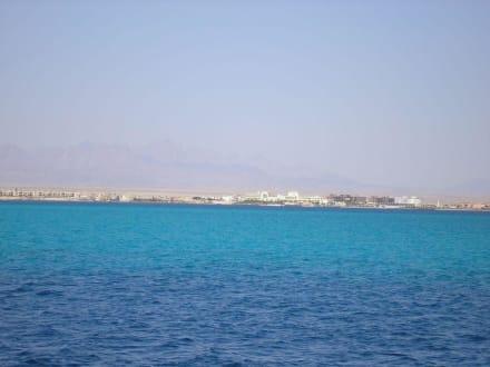 Blick zurück auf Hurghada - Giftun / Mahmya Inseln