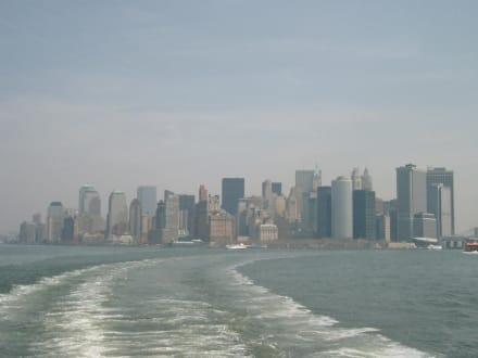 Fahrt mit der Staten Island Ferry - Skyline