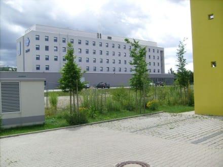 Das Etap-Hotel von hinten - ibis budget Hotel München Messe Hotel