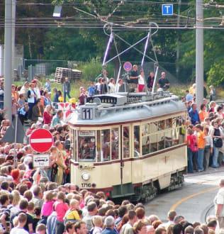 Oldtimer-Parade der Verkehrsbetriebe... - Festumzug
