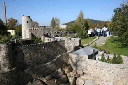 Burgruine Kynast en miniature - Miniaturenpark der niederschlesischen Denkmäler