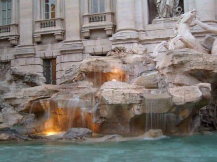 Fontana di Trevi - Trevi Brunnen