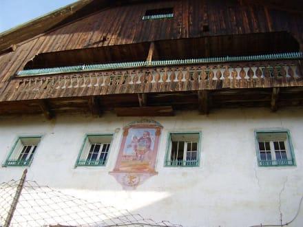 Wohnhaus im Weiler - Wandern St. Vigil in Enneberg