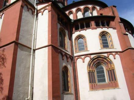 Rückwärtige Ansicht des Doms auf der Südseite - Limburger Dom
