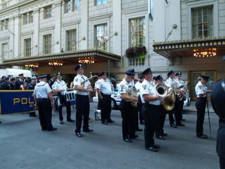 Und die Musi spielt dazu - Steuben Parade New York