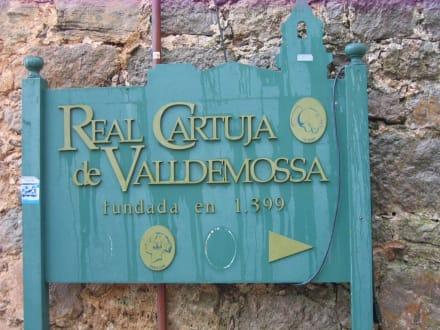 Hinweisschild Kartäuserkloster - Kartause von Valldemossa