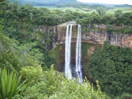 Waterfall Charamel - Chamarel-Wasserfall