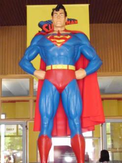 Superman damals Superboy - Parque Warner